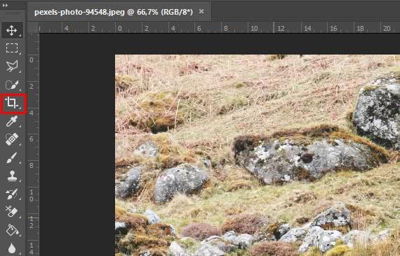 Localização da ferramenta de corte no photoshop